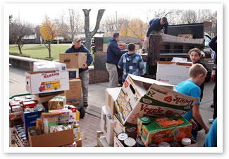 photo 4 from student food drive